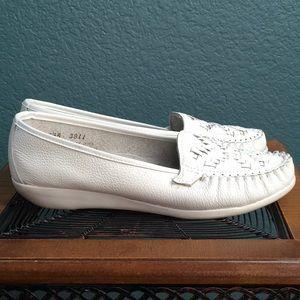 Shoes - Easy Time Women's Slip On Mocassin Flats, White